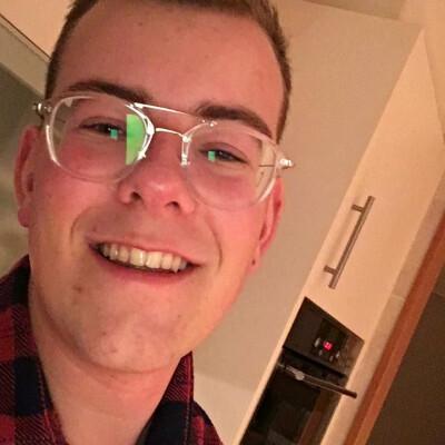Timo zoekt een Huurwoning / Kamer / Appartement in Almere